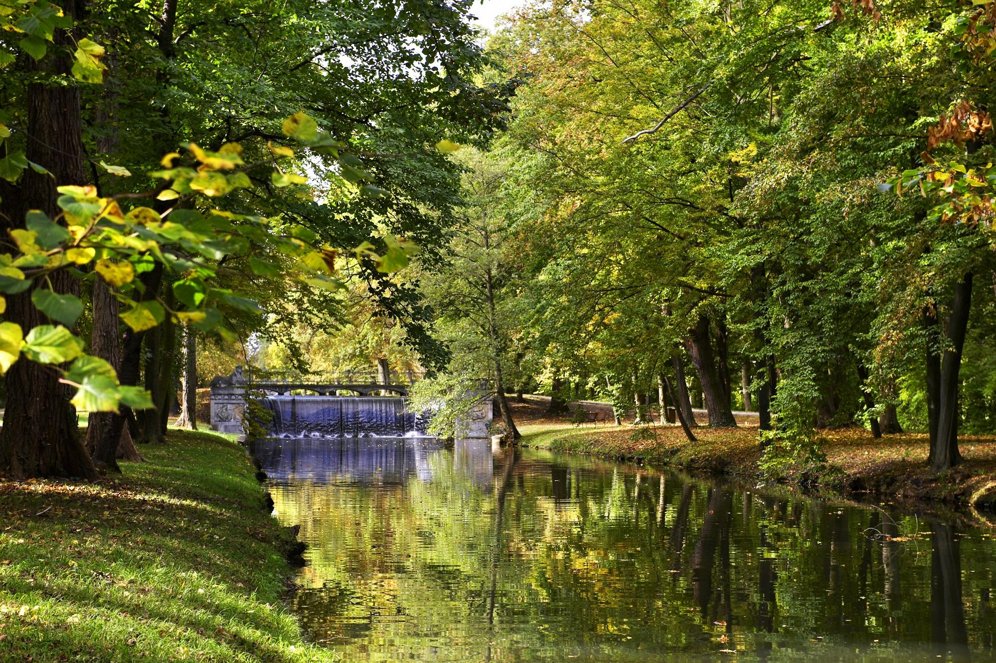 schlosspark laxenburg willkommen auf natur im garten. Black Bedroom Furniture Sets. Home Design Ideas